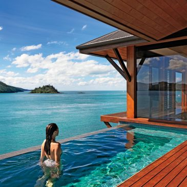 Top 5 Amazing Hotels and Resorts in the World